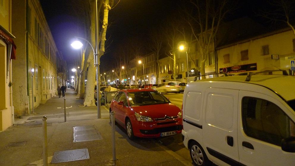 2013年2月14日 晚上salon de provence的街头